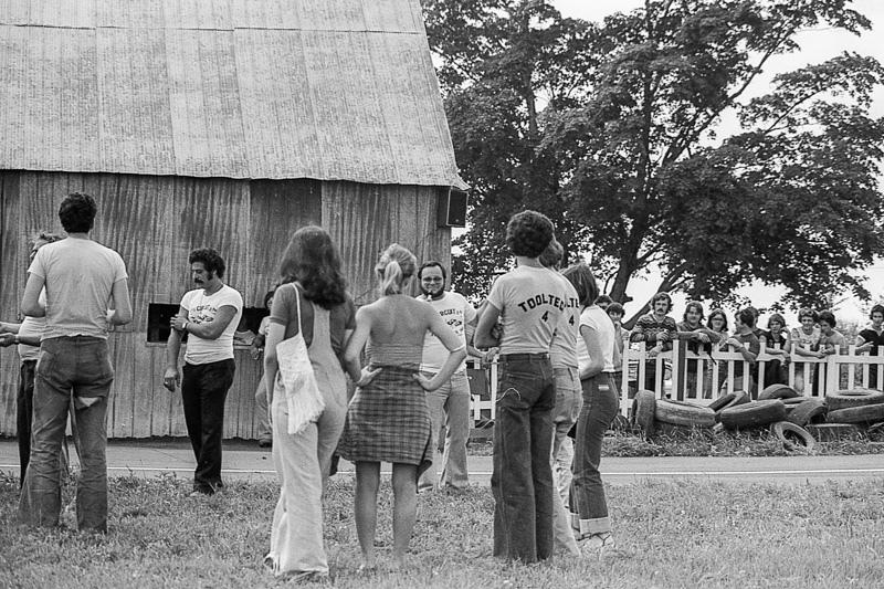 1977-traveling-17